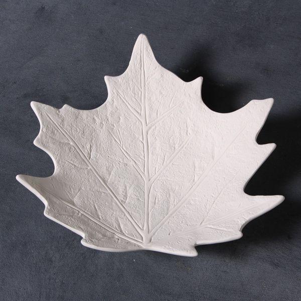 Maple leaf dish mould 20cm wide CD0806