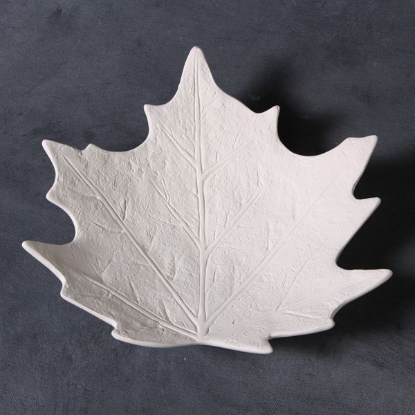 Maple leaf dish mould 20cm wide CD0806